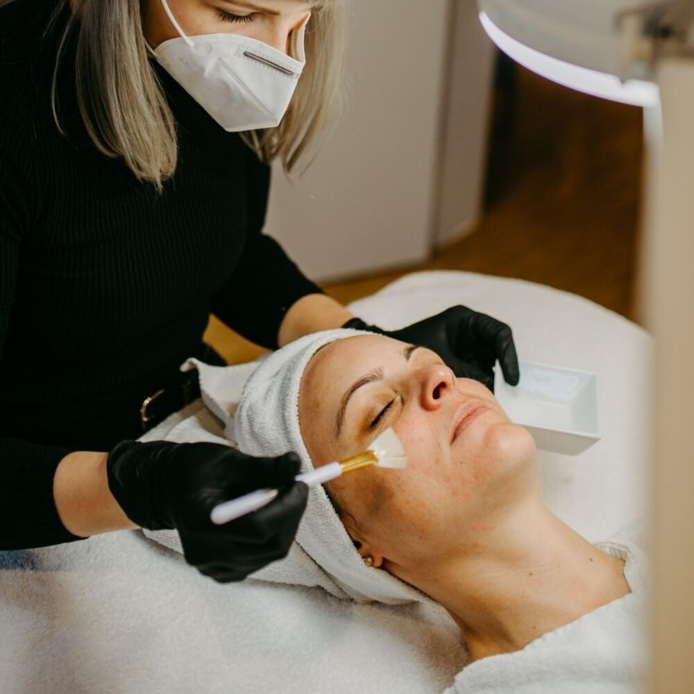 säure behandlung kosmetik